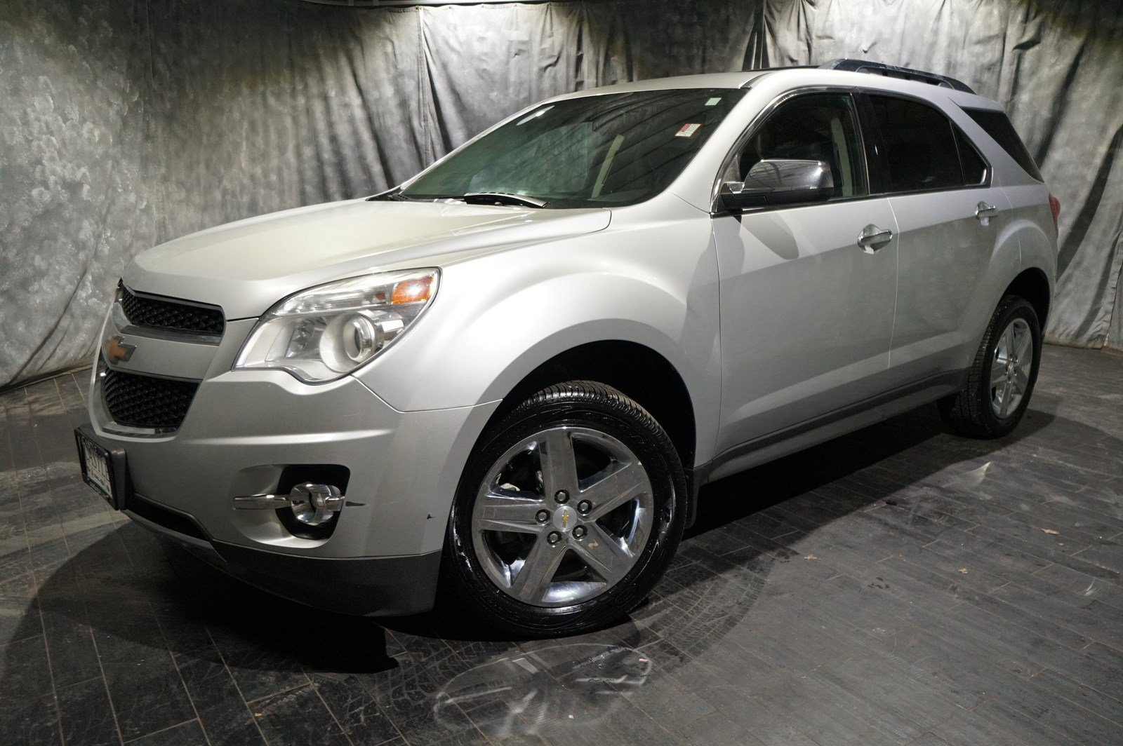 ltz suv suvs fuel interior chevrolet equinox compact design efficient shared